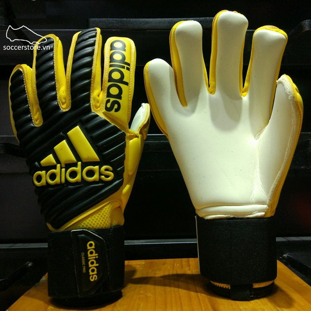 Adidas Classic Pro- Core Black/ EQT Yellow BS1536