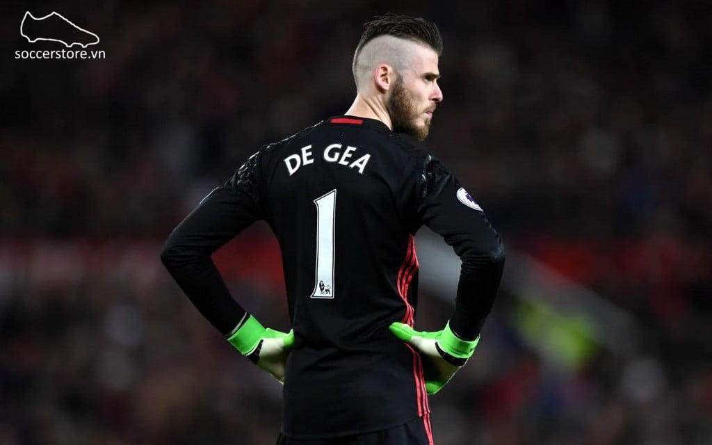 De Gea sử dụng găng tay thủ môn Adidas Ace