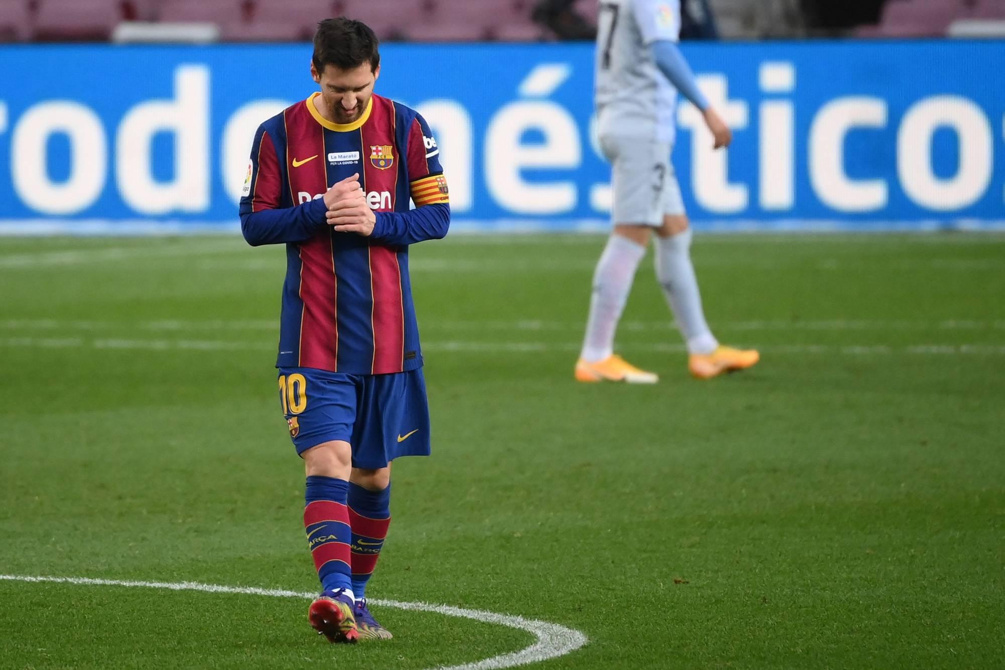 siêu sao Messi sử dụng dòng giày Adidas Nemeziz